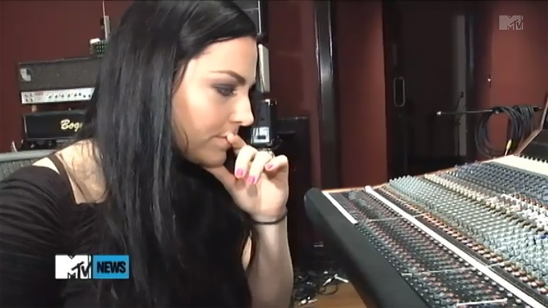 (動画)'Lost In Paradise' With Evanescence (2011) on MTV